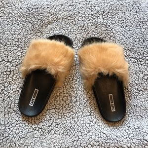 NEW Faux Fur Slides Sandals sz 8